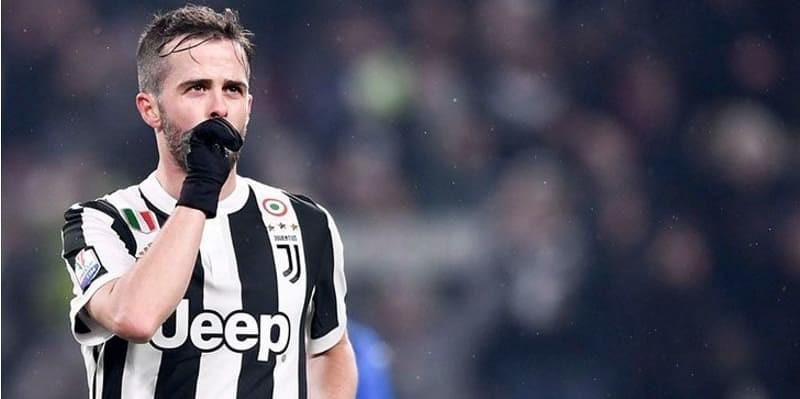 Miralem Pjanic Lebih Memilih Menetap di Juventus dari Pada ke Barca atau PSG