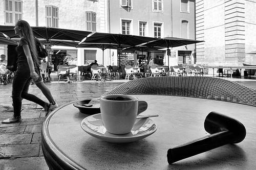 Un-autre-café-à-l'ombre