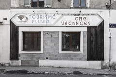 Tourisme et vacances quai du Doubs - Désertification - Photo of Saunières
