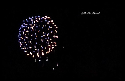 Fuego artificial de honor de la virgen de cuatroguitas,romería de cuatroguitas 2018(fotos móvil)#fuegoartificiales #bollullosdelaimitacion #romeriadecuatroguitas18