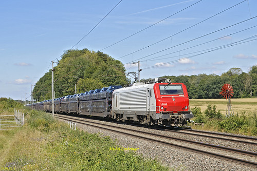 E 37530 Train Ile Napoléon-Gevrey à Valdieu Lutran