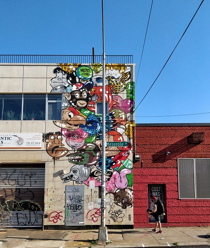 Williamsburg. Street Art #oneplus5 #shotononeplus #op5