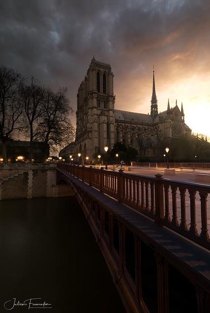 Cathédrale Notre-Dame & Pont au Double, Paris