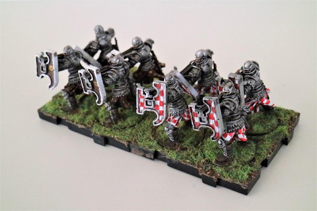 Runewars Miniatures Daqan Crossbowmen Front
