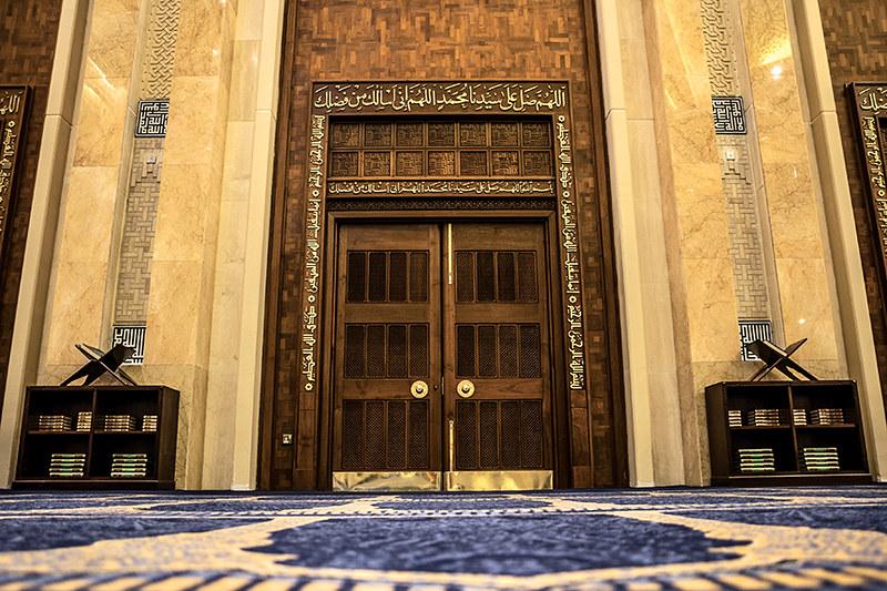 المصلى داخل المسجد الكبير في الكويت