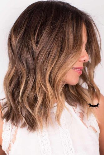 TOP MEDIUM LENGTH LAYERED HAIR IDEAS FOR WOMEN 1