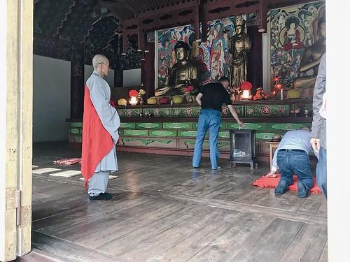 普賢寺位於妙香山不遠處,相當靜謐