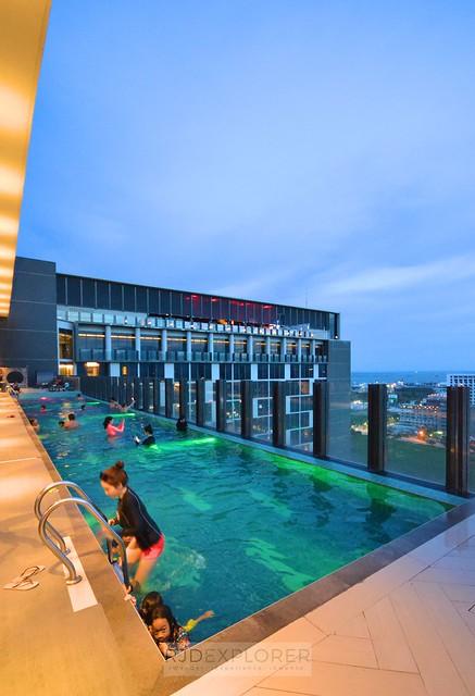 bai hotel cebu infinity pool