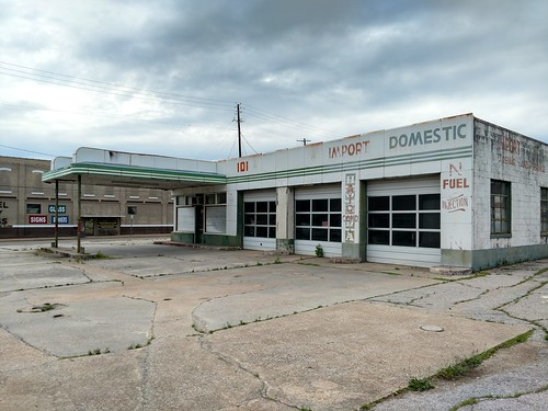 Anniston, Alabama - Old Service Station