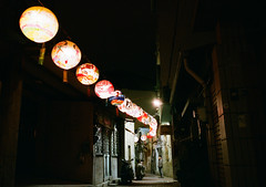 Alley in the night/Tainan 作者 tlw1012