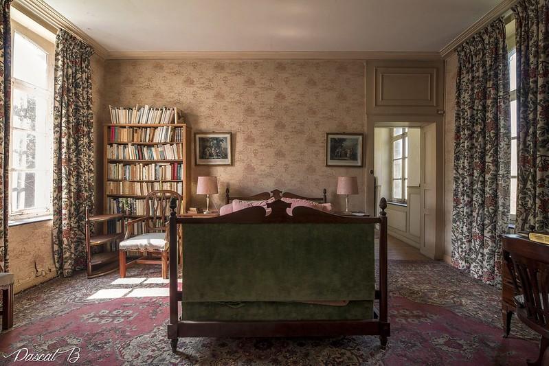 Chateau du colonisateur 41641983621_20f8271240_c