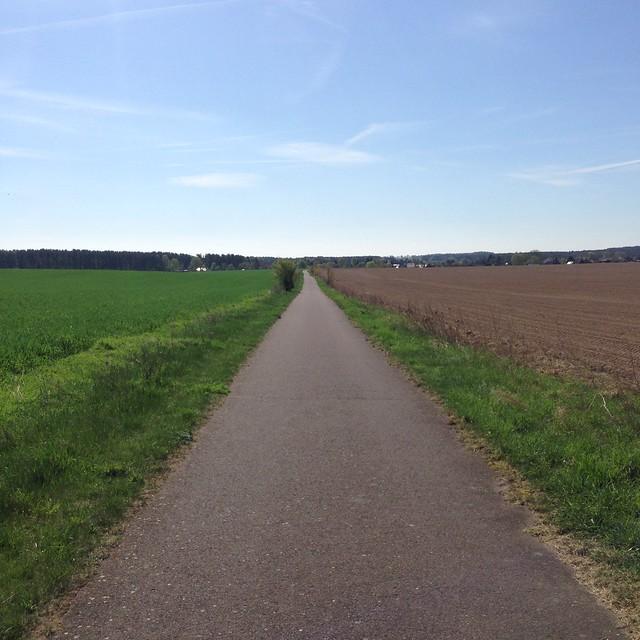 sommer im april-radtour: Brandenburg - unendliche Weiten. (Flachland)