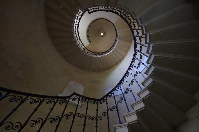 Elegant spiral
