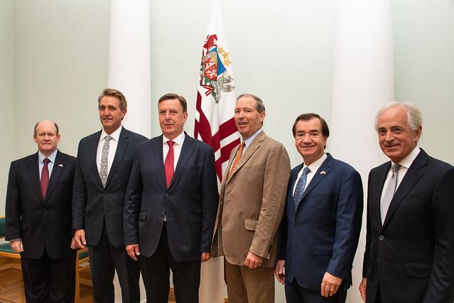 Ministru prezidents Māris Kučinskis tiekas ar ASV senatoru delegāciju