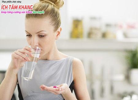 Dùng thuốc là một trong những phương pháp điều trị bệnh hở van tim
