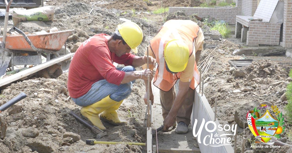 En calle Los Pinos trabajan a buen ritmo obra municipal