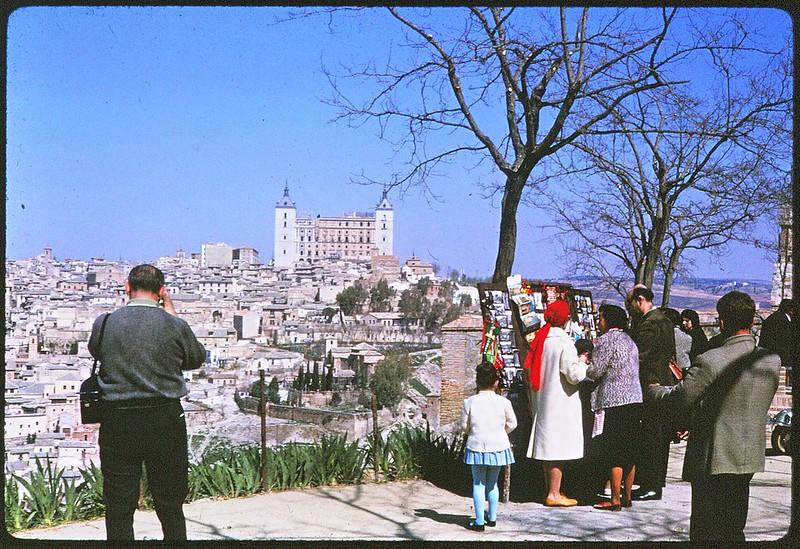 El mirador del Valle en Toledo en abril de 1963. Película Kodachrome. Donación de la familia Burgos.