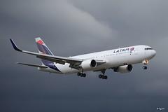 Boeing 767-300 (CC-CML) LATAM