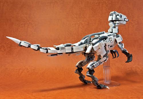 LEGO Mecha Velociraptor-02