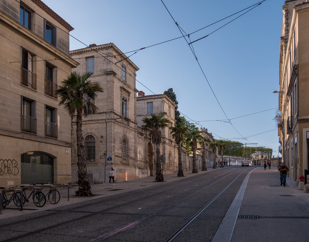 Montpellier : ville d'ombre et de lumière... 39850435660_56be8e1cde_b