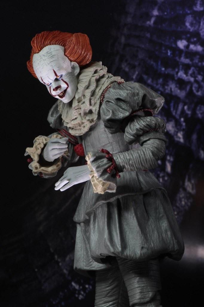 最愛小朋友恐懼香氣的「牠」恐怖來襲~終極潘尼懷斯公仔 NECA《牠(2017)》 Ultimate Pennywise 7 吋可動人偶作品