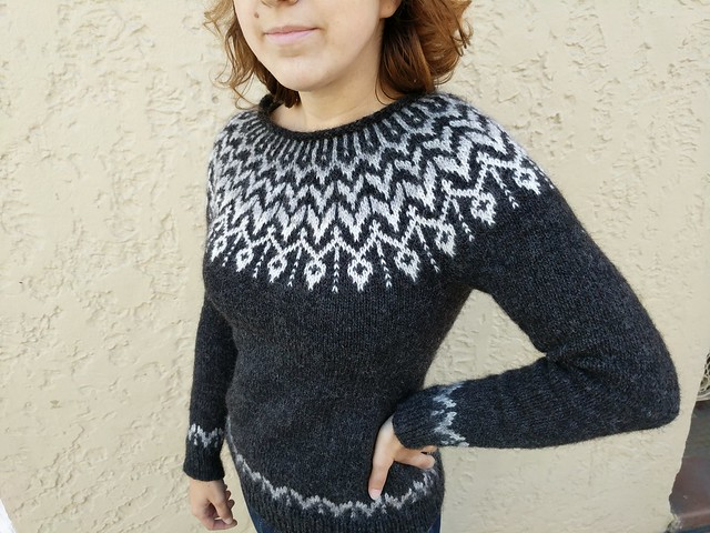 I've finished yet another sweater :)