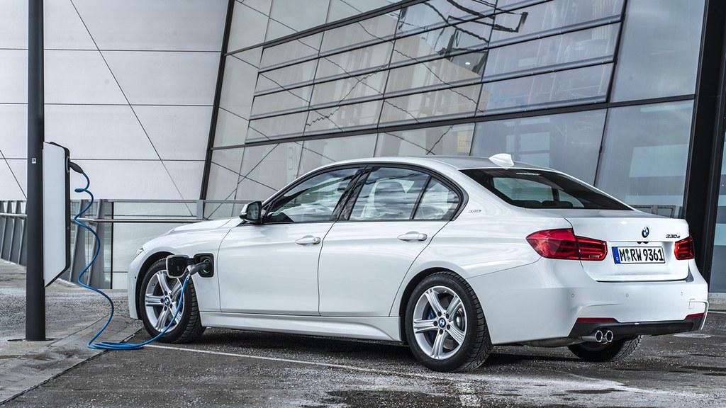 BMW 330e presmetka 16
