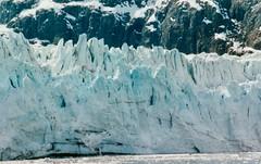 Alaska   -   Glacier Bay    -    Margerie Glacier    -   A wee bit of calving