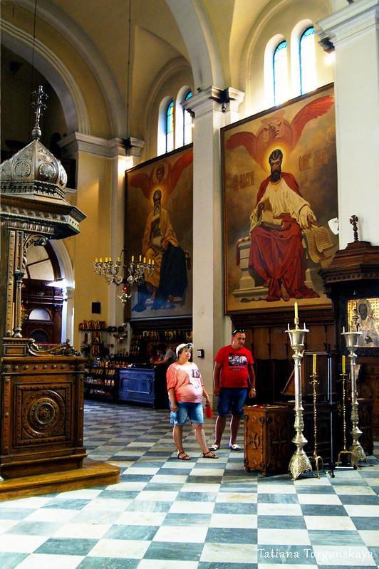 Внутри церкви Св.Николая
