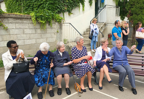 From left to right: Cecilia Uzodike SSL, Clare Ryan SSL, Deirdre O'Hanlon SSL, Uainín Clarke SSL, Noreen Shankey SSL and Elizabeth Beirne SSL pictured at the Maternelle farewell