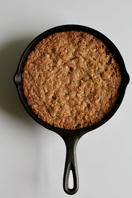 cast-iron-pan chocolate chip cookie bars