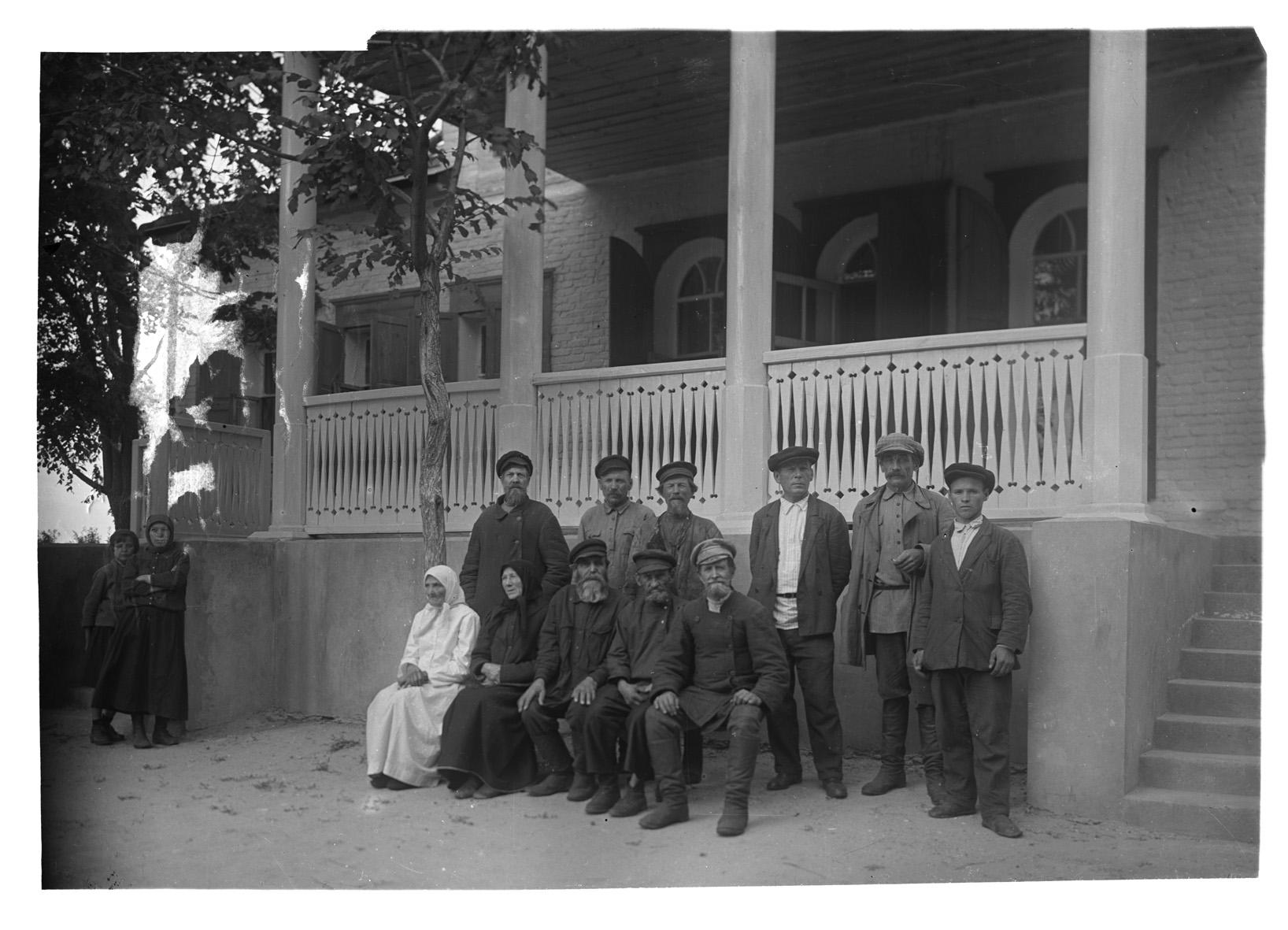 Старожилы села Лермонтово. Фотография В.Г. Чудинова. 1939 г.