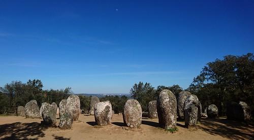 Lúa, Évora e Cromeleque dos Almendres