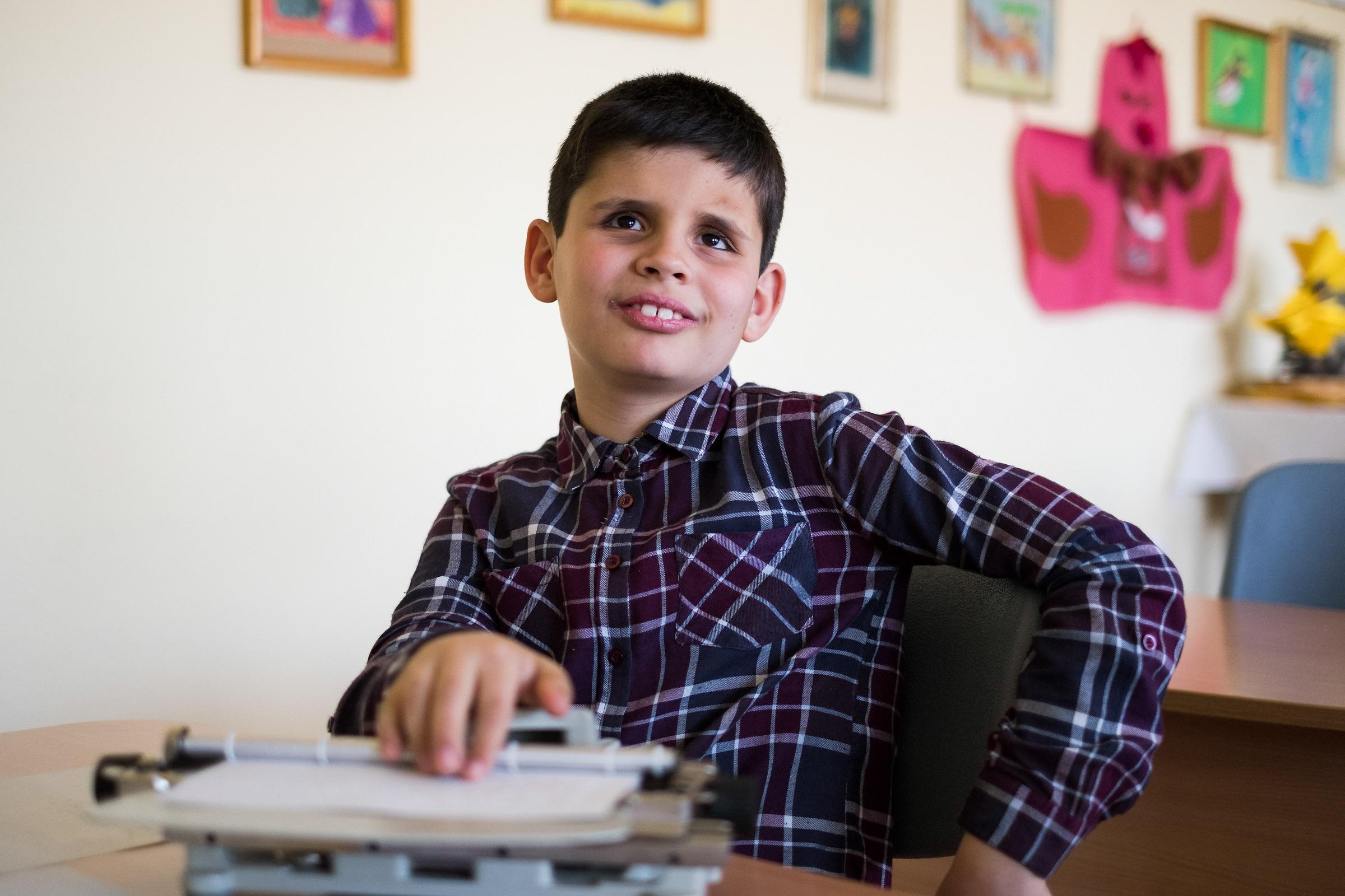 Vak gyerek egy integrált osztályban egy kis faluban