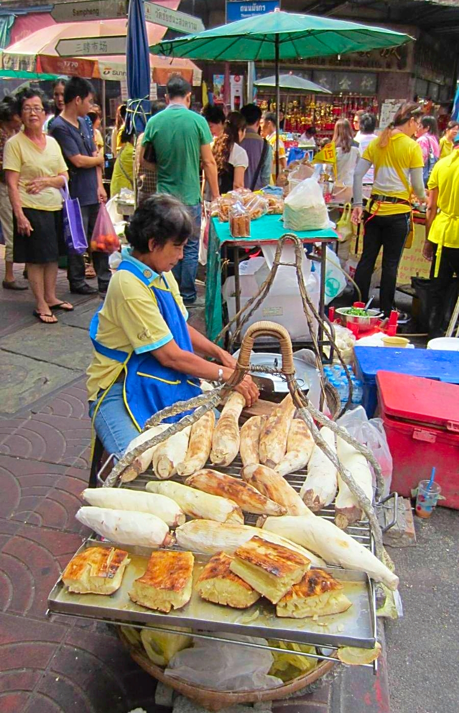 Thailand street vendors sell everything