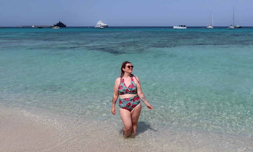 Outfit mare curvy plus size, copricostume Lily La tigresse (12)