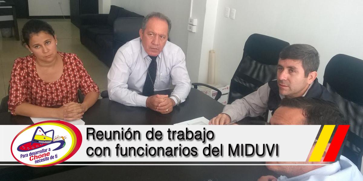Reunión de trabajo con funcionarios del MIDUVI