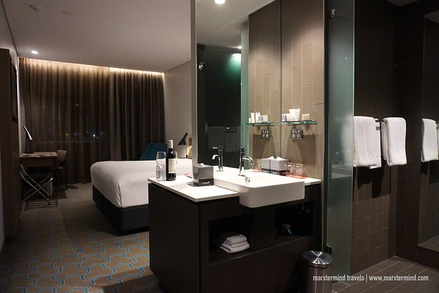 Deluxe Airport View King Room Rydges Sydney Airport Hotel