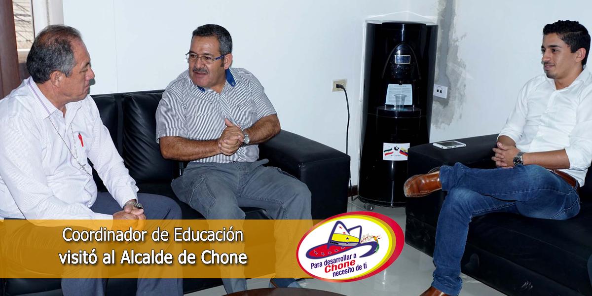 Coordinador de Educación visitó al Alcalde de Chone