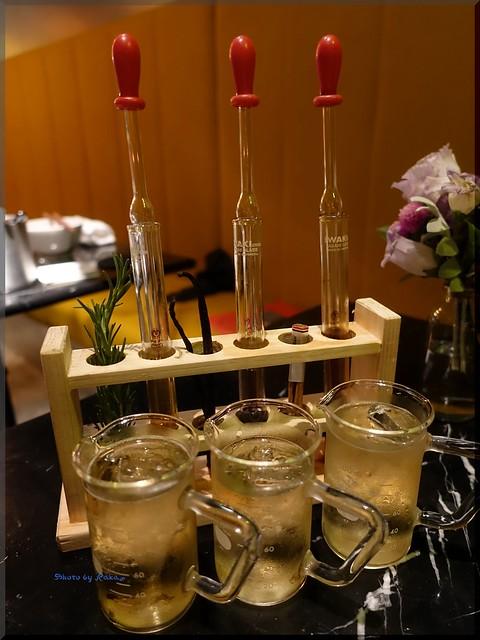 Photo:2018-07-01_T@ka.の食べ飲み歩きメモ(ブログ版)_高架下のART空間で楽しむ料理と酒【中目黒】Pavilion_02 By:logtaka