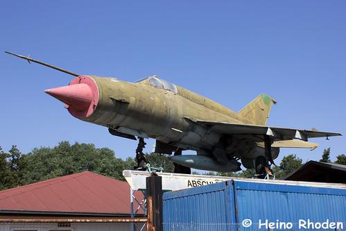 Mikojan-Gurewitsch_MiG_21_bis_24+30.jpg