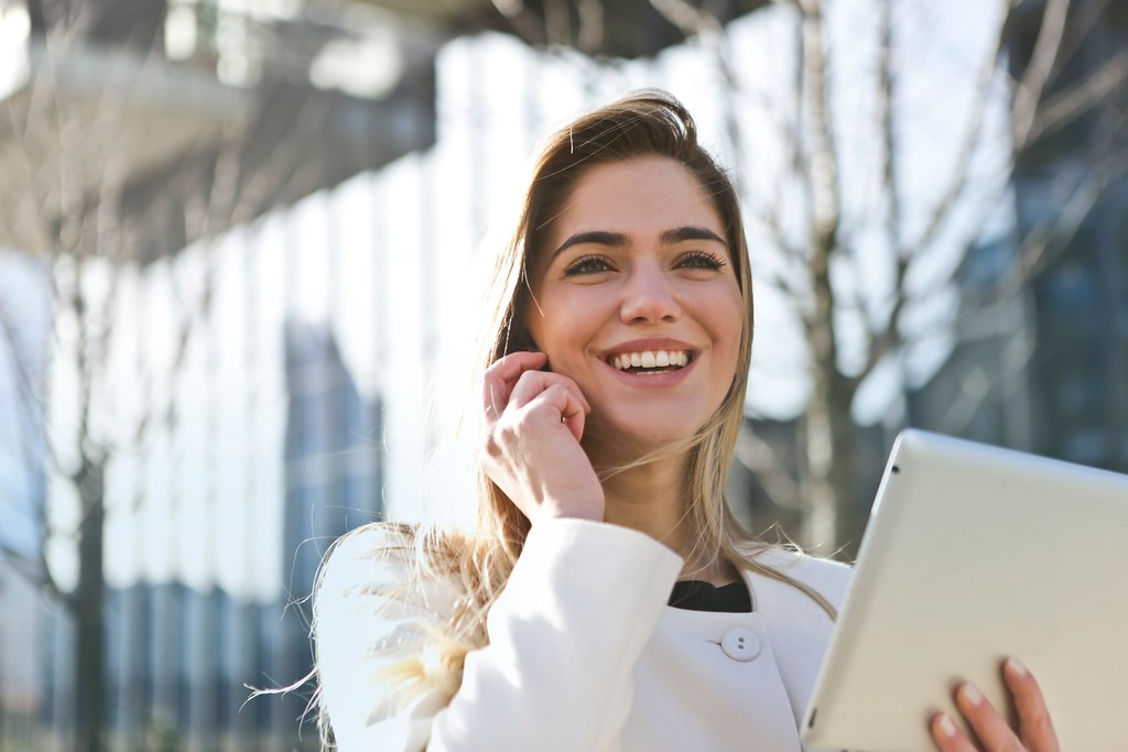 Businesswoman call career - Credit to https://homegets.com/