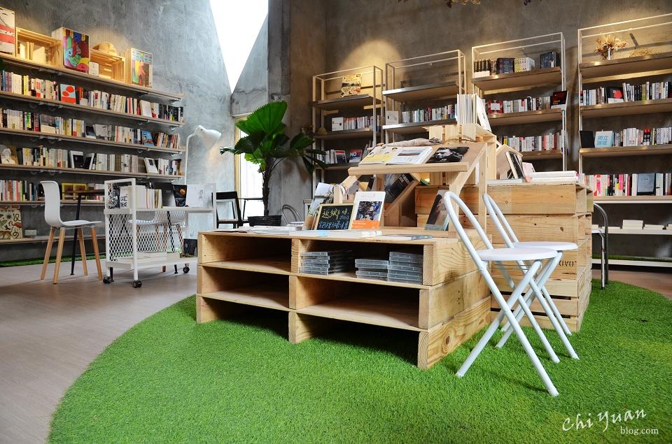 [台北]華山青鳥書店Bleu&Book。閱讀使心靈自由,遇見三角窗明的幸福