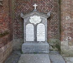 Hornaing tombeau du Baron de Mandell