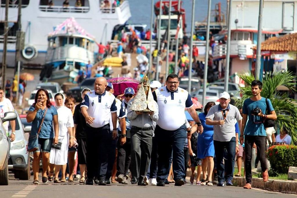 Imagem peregrina de Nazaré chega em Juruti; segunda estará em Santarém, Nazaré em Juruti. Foto: Raul Moutinho