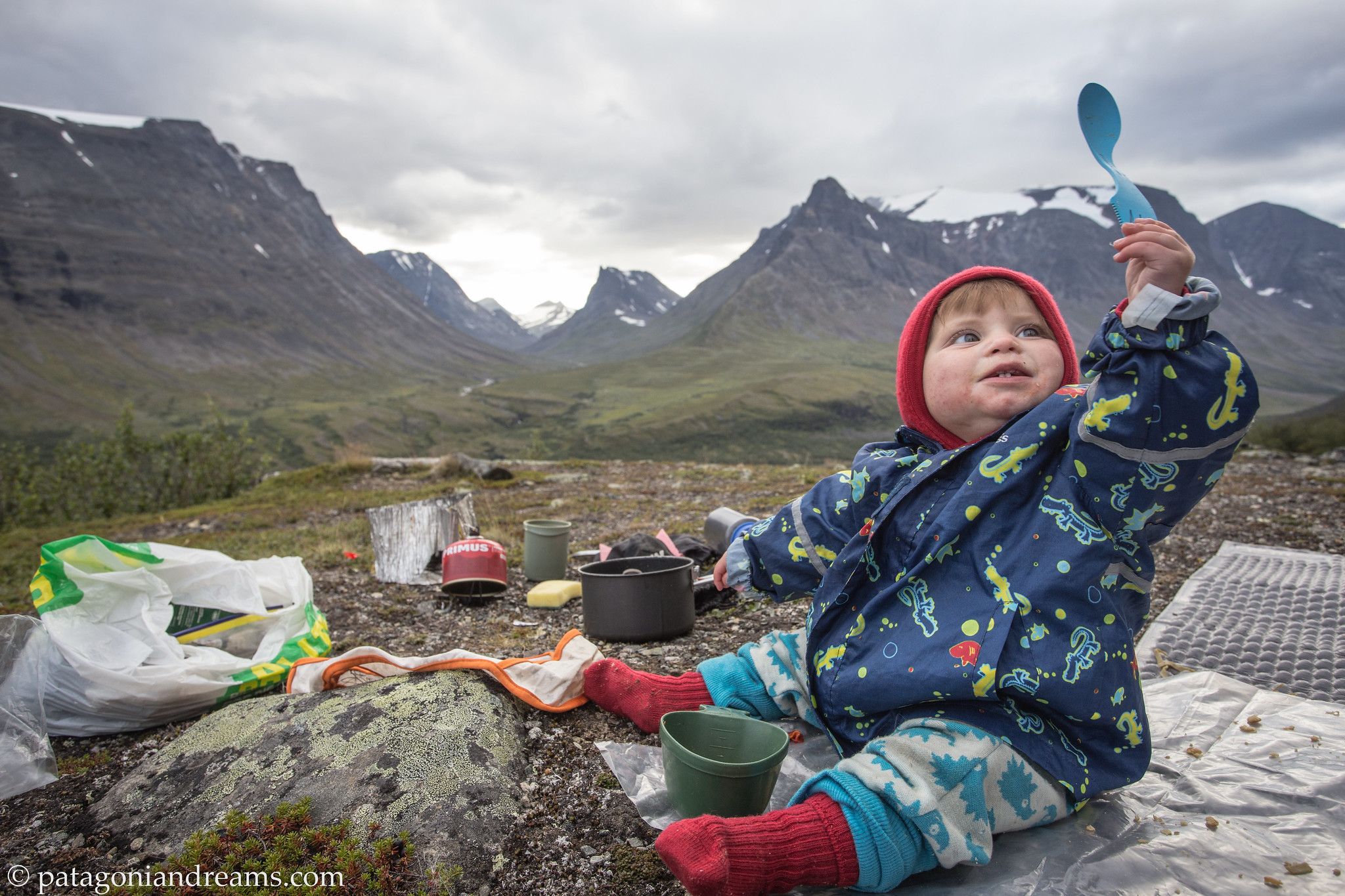 Enjoying baby supper, high above the Stuor Reaiddavaggi dalen. Swedish Lapland.