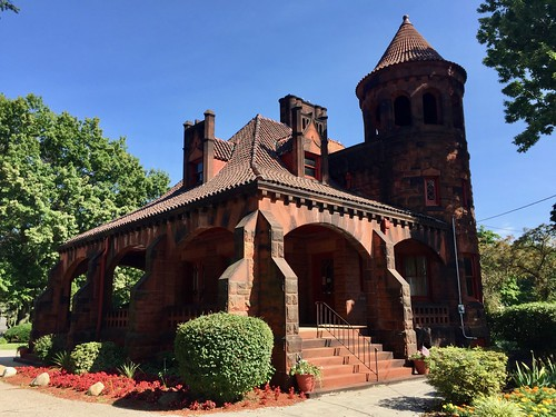 Gatehouse, Riverside Cemetery, Brooklyn Centre, Cleveland, OH | by w_lemay