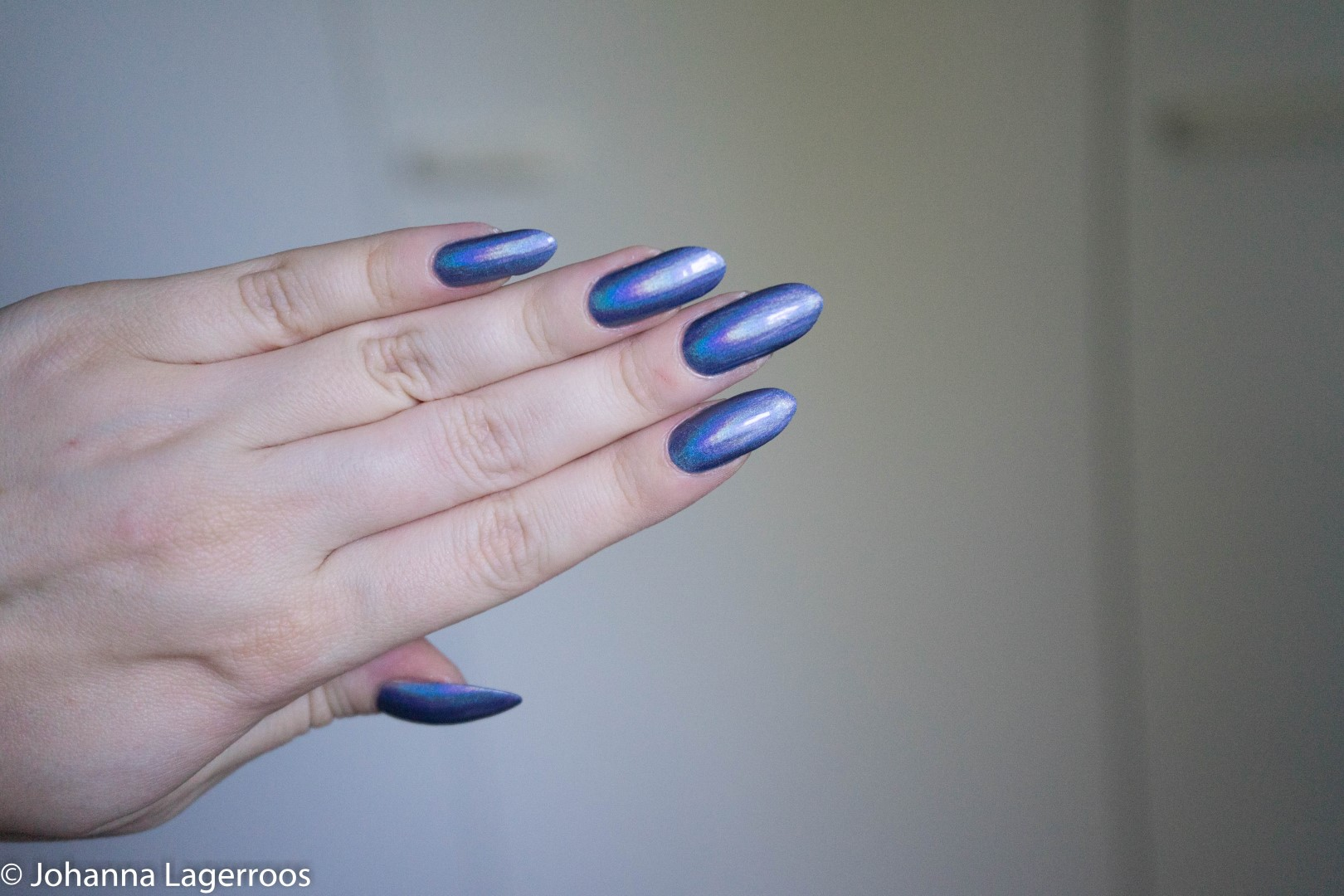 blue holo nails
