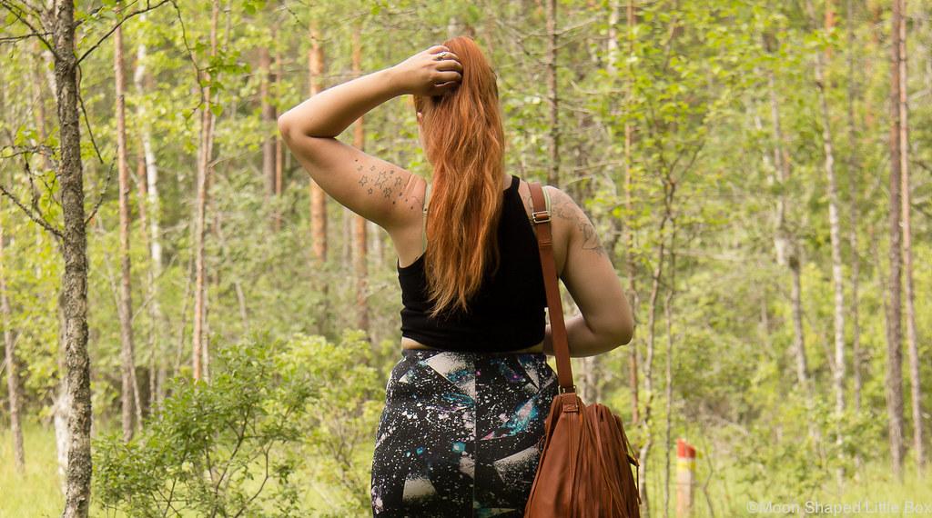 kasvivärjätyt hiukset, pitkät hiukset, hapsulaukku, oma tyyli