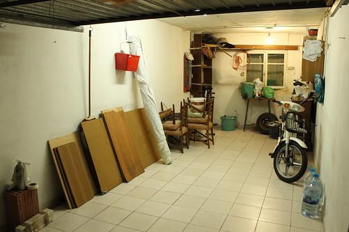 Garaje de 7 m2 de largo por 3 m2 de ancho de facil acceso. Situado en pleno centro. En el Parque de L´Aigüera.  Solicite más información a su inmobiliaria de confianza en Benidorm  www.inmobiliariabenidorm.com